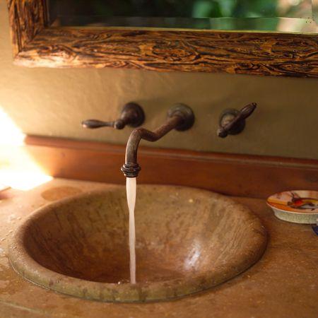 bathroom faucet: Malpais en Costa Rica, Cuarto de ba�o grifo