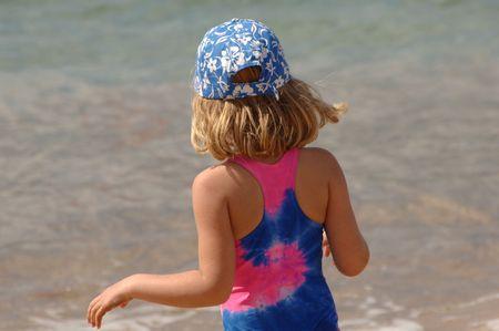 Estilo de vida Familia Maui, Chica jugando en la playa