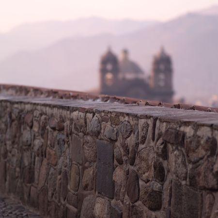 Plaza de Armas Peru, Stone wall in Peru Фото со стока