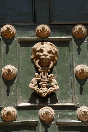 Peru, Doorknocker