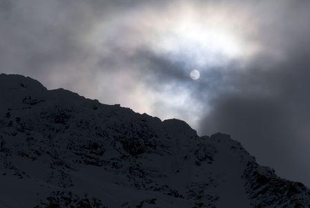 Silhouette of side of mountain 版權商用圖片