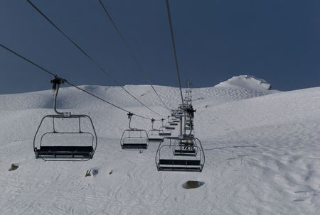 ski lift: Ski lift in the mountains