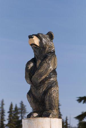 woodland sculpture: Bear statue