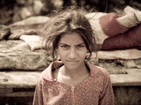 gitana: Chica joven gitano en la India
