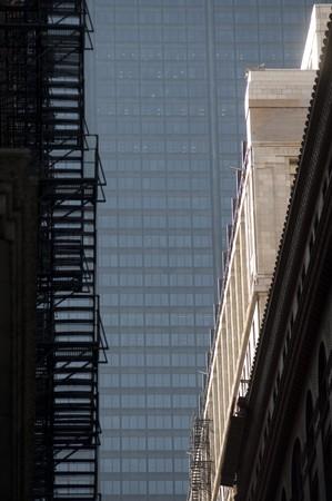 huir: Fuego de escape en el exterior de un edificio en Chicago
