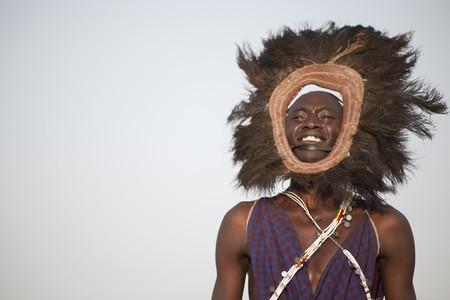 Kenyan man in tribal attire 報道画像