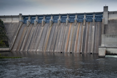 Dam on lake Taneycomo in Branson, Missouri