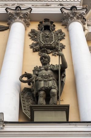 traditionally russian: Low angle view of a soldier statue on Triumphal Arch of General Staff Building, State Hermitage Museum, Palace Square, St. Petersburg, Russia