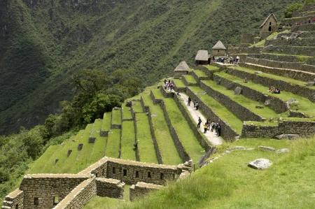 cusco region: Turistas en La Ciudad Perdida de los Incas, Machu Picchu, Cusco, Per� Foto de archivo