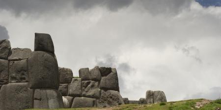 cusco region: Ruinas de una fortaleza, Sacsayhuaman, Valle Sagrado, Regi�n Cusco, Per� Foto de archivo