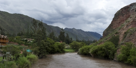 tranquilly: Urubamba River flowing through Sacred Valley, Cusco Region, Peru Stock Photo