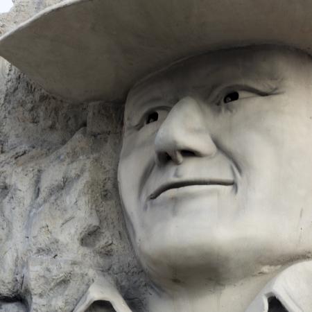 male likeness: John Wayne escultura en Hollywood Wax Museum, Branson, Taney County, Missouri, EE.UU.