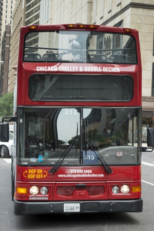 Double-decker bus moving on the streets of Chicago, Cook County, Illinois, USA Redactioneel