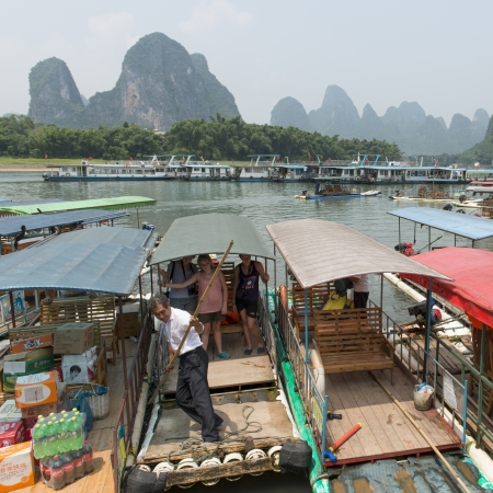 freetime activity: Tourists on a tourboat, Li River, Xingping, Yangshuo, Guilin, Guangxi Province, China