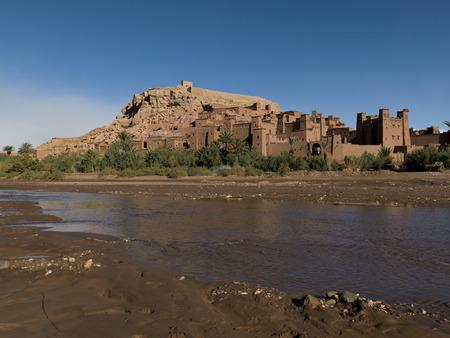 Fluss in Ait Benhaddou, Ouarzazate, Marokko Standard-Bild - 28205170