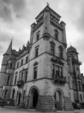 entranceway: Low angle view of the Dunrobin Castle, Golspie, Sutherland, Scottish Highlands, Scotland