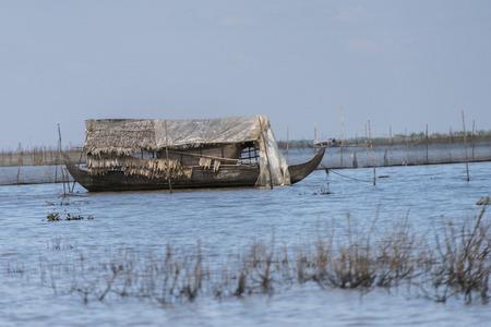 Rowboat in Tonle Sap lake, Kampong Phluk, Siem Reap, Cambodia 写真素材