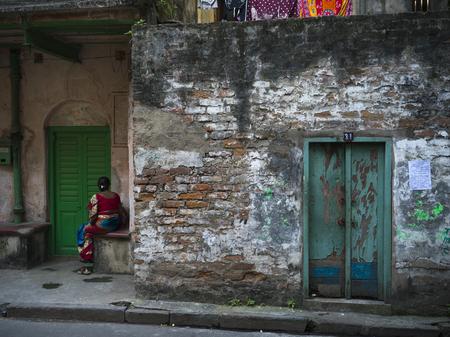 Fa�ade of a run-down building, Kolkata, West Bengal, India