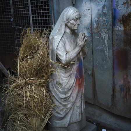 Statue of Mother Teresa, Kumartuli, Kolkata, West Bengal, India Imagens