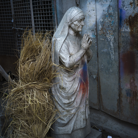Statue of Mother Teresa, Kumartuli, Kolkata, West Bengal, India Stock Photo - 119239478