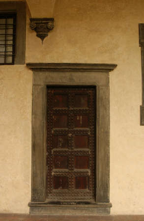 entranceway: Doors of Florence