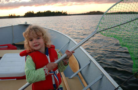 redes de pesca: vida de familia en el lago Foto de archivo