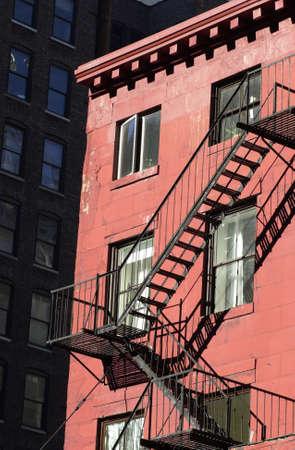huir: Salida de incendios, de edificios en la ciudad de Nueva York Foto de archivo
