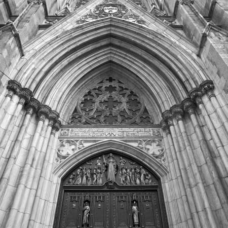 entranceway: Entrance to St. Paul�s Cathedral, New York City
