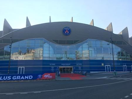 パリ フランス、2017 年 9 月 24 日: Parc des の王子サッカー スタジアムをホームの PSG パリ サン ジェルマンのチームし、2024年のオリンピック サッカー