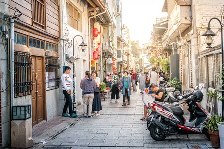 20 February 2018, Tainan Taiwan : View of old Shennong pedestrian street with people in Tainan Taiwan 新聞圖片