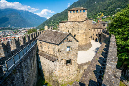 Scenic wide angle view of Castello di Montebello castle from rampart walk in Bellinzona Ticino Switzerland 新闻类图片