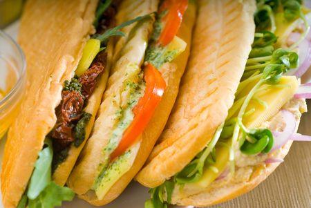 Sortiment frisch hausgemachte vegetarische italienische Panini Sandwich, typisch italienisch snack Standard-Bild