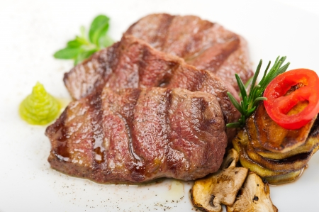 grilled Kobe Miyazaky beef with fresh vegetables Stock Photo - 17846672