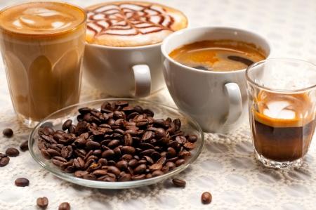 Gruppe Auswahl an verschiedenen italienischen Kaffee-Typ