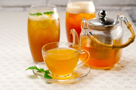 fresh brewed selection of tea clodeup macro