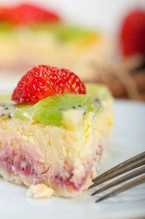 custard slices: kiwi and strawberry pie tart with lemon custard cream and spices