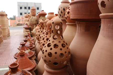 antiquity: Clay jars in clay shop and workshop