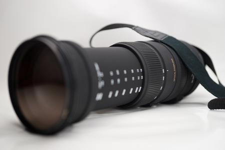 Teleobjetivo de la cámara del espejo