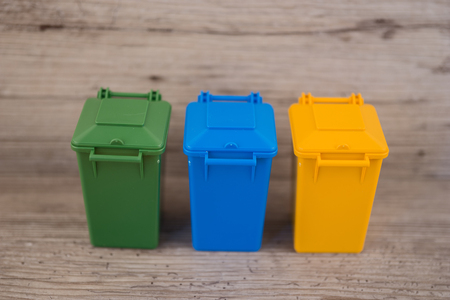 separacion de basura: Set of recycle garbage bins, waste separation concept Foto de archivo