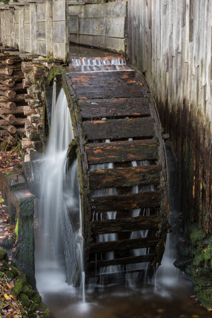 water wheel: Water Wheel on Old Mill in Cades Cove