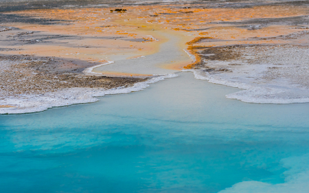 Blue Waters from Hot Springs Flow Into Sulfur River in Yellowstone Reklamní fotografie