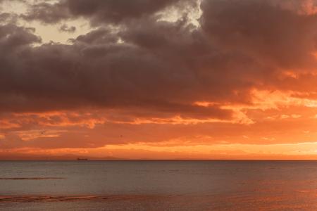 Morning Breaks over straight of Juan de Fuco in Washington 版權商用圖片