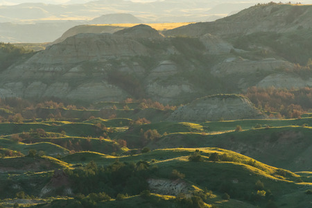 Evening Light Settles Across Theodore Roosevelt National Park in North Dakota 스톡 콘텐츠