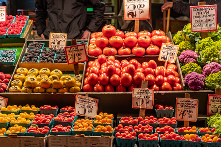 Fresh Tomatoes for Sale in outdoor market