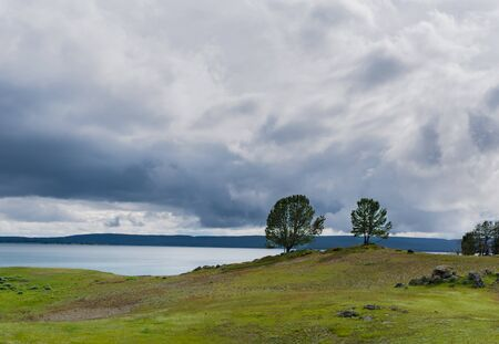 Stormy Skies Over Yellowstone Lake in early summer 版權商用圖片