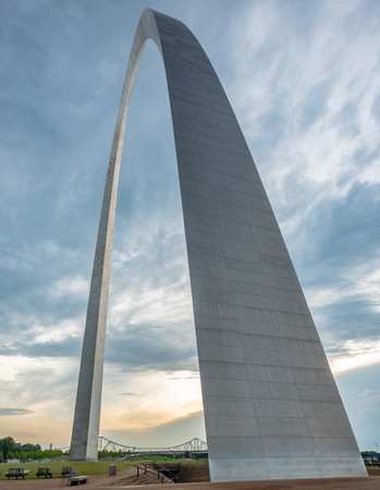 St. Louis, United States: June 12, 2018: Gateway Arch Tapers to Top at Sunrise Editöryel
