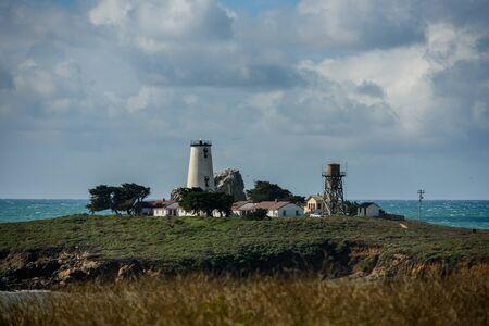 Piedras Blancas Light Station along Big Sur coastline 版權商用圖片