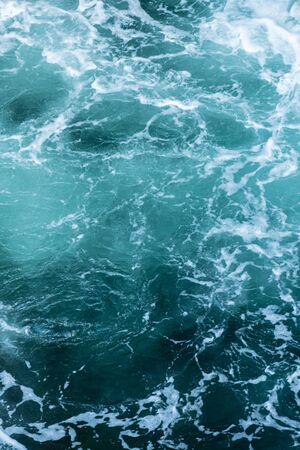Swirling blue Waters in Pacific Ocean Vertical Background Image 版權商用圖片