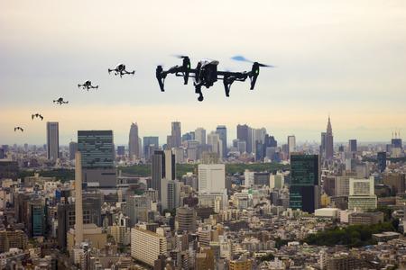 無人の町を通って飛んで東京イメージ