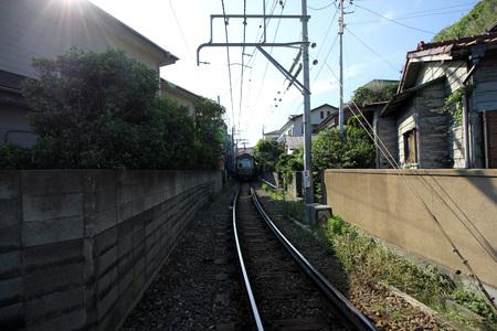 kamakura: KAMAKURA, JAPAN - June 4: Enoden Line in Kamakura, Japan on June 4, 2015. Enoshima Electric Railway, has 100 years of history, links the central Shonan area,